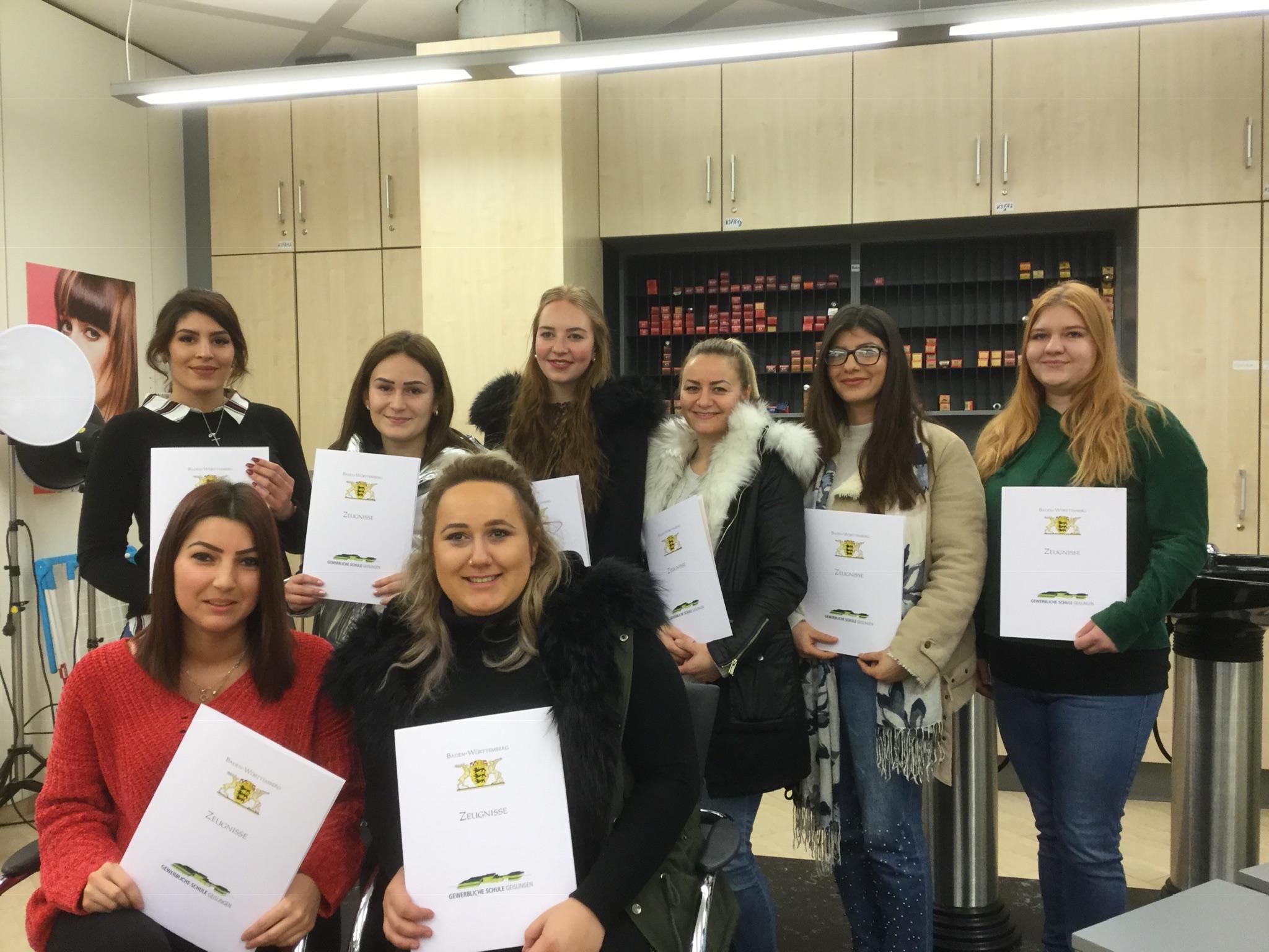 11 Absolventen haben die Winterprüfung bestanden – Gewerbliche